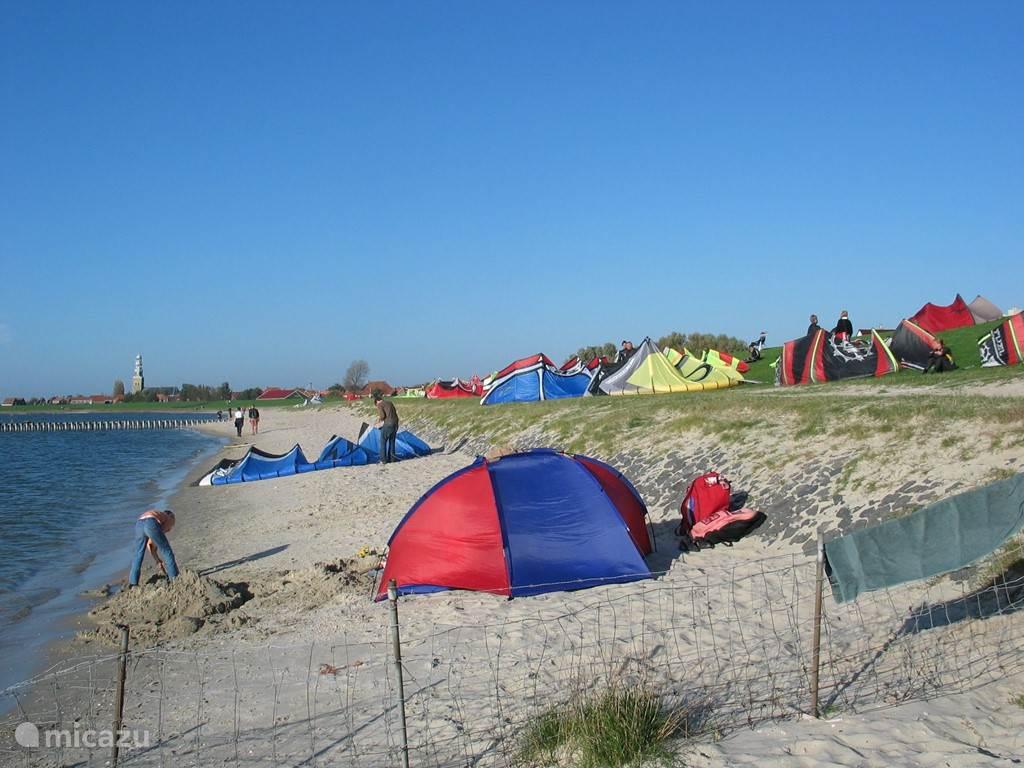 In de omgeving wordt veel kite-gesurfd!