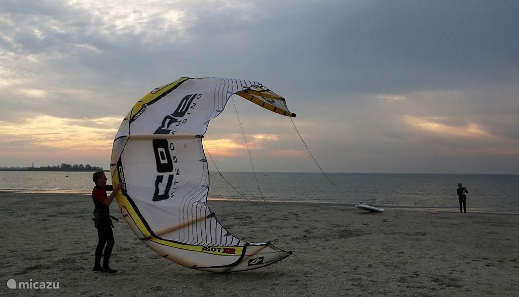 Kite-surfen op het IJsselmeer