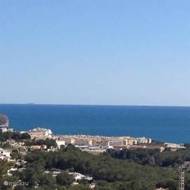 Vanaf het buitenterras op de 1e verdieping panoramaview 360 Gr. vij uitzicht, o.a. op de Middellandse zee.