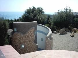 Buitendouche special voor de strandgangers om het huis zand en zout vrij te houden..