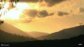 Zonsondergang in september , licht blijft een favoriet item,zonder licht,geen mooie foto´s ( tenminste in de natuur).
