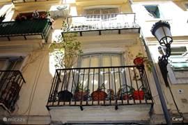 balkonnetjes om jaloers op te worden..Geen straf om hier te wonen.