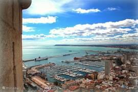 Het uitzicht vanaf het 'kasteel' van Alicante