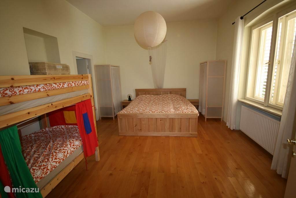 Slaapkamer een: 27 m2