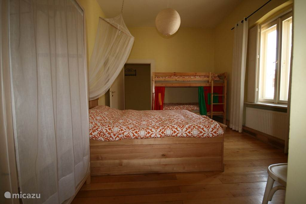 Bedroom two: 16.5 m2