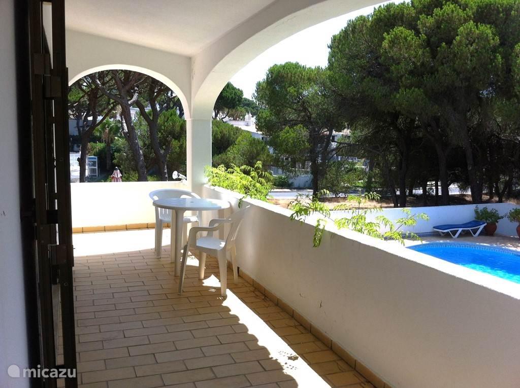 Villa Alegria veranda voor de woonkamer