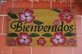 Welkom (maar dan in het Spaans!)  Als u maar met z'n tweeën komt, krijgt u 10% korting (behalve tijdens de aanbiedingsperiodes)