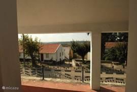Het uitzicht vanaf de veranda.
