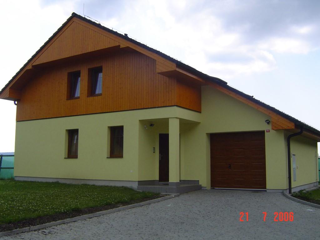 Wegens annulering €600 ipv €990 15-7 tot   22/7 op toplocatie in Lipno,Tsjechië. Ruime luxe villa, nabij groot meer en bos met prachtig uitzicht.