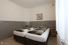 2 persoons slaapkamer met comfortabele boxsprings