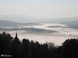 panorama zuid met optrekkende ochtendnevel