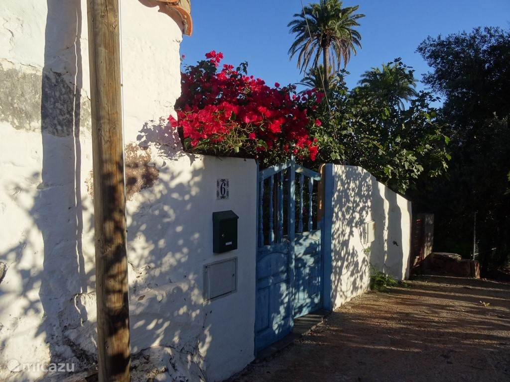 de toegang naar casa Rosiana