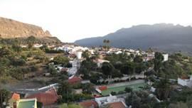 een mooi gezicht op santa Lucia. Prachtige vergezichten kom je op alle wandelingen tegen