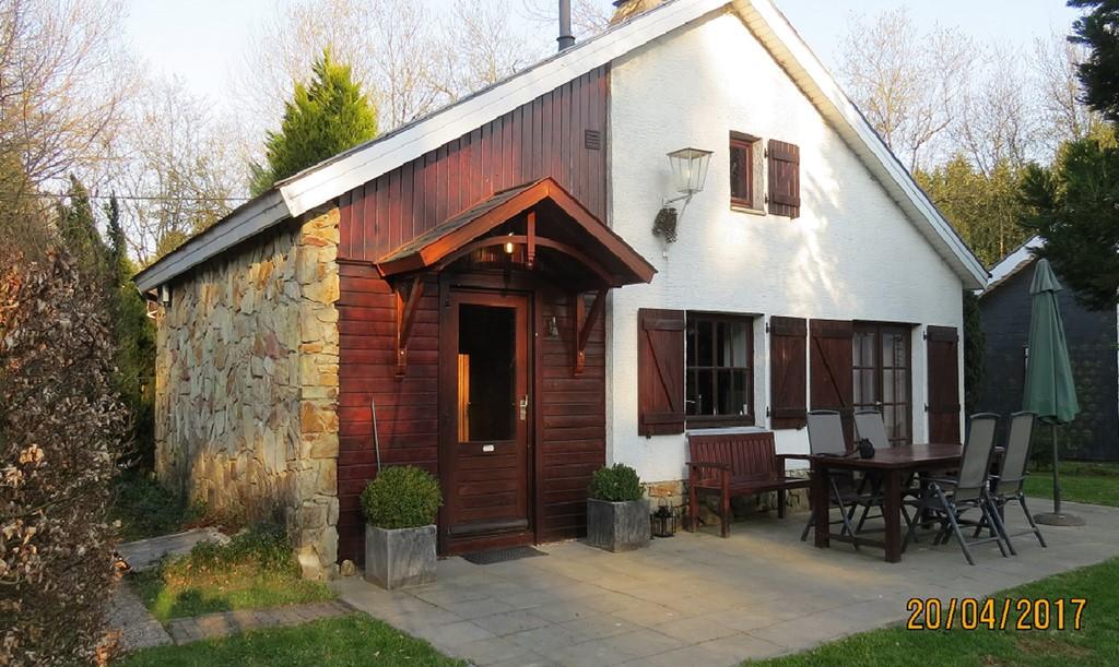 Geniet deze zomer van ons fijne vakantiehuis in een schitterende omgeving in de Ardennen. Nu van 8 tot 29 juli en van 12 tot 19 augustus 15% korting!