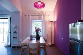 Gastenhuisje Cascata de Flores: heerlijk licht en fris ingericht.