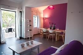 Gastenhuisje Cascata de Flores: ruim opgezet met een heerlijk eigen terras. Ideaal voor gezinnen met kinderen.