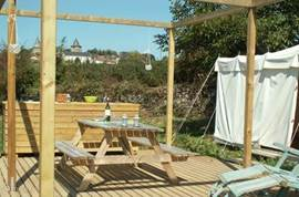 La Bastide also offers the possibility of Glamping or comfortable camping. Do you want the comfort and freedom of camping, but also the wonderful beds and warmth of a holiday? We offer two fully equipped 4-person game House tents for rent with private bathroom.