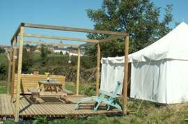 Luxury House decorated tent, with all the comforts of a house but the charm of camping and the outdoors. Your tent is on the holiday La Bastide 18000 m2, which includes 5 holiday and has its own stream