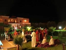 Wij kunnen voor u ook een feestje in de tuin organiseren.
