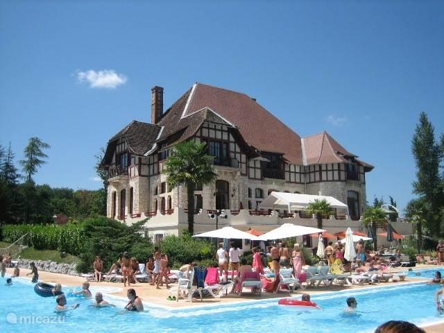 Résidence Château Cazalères  09350 Daumazan