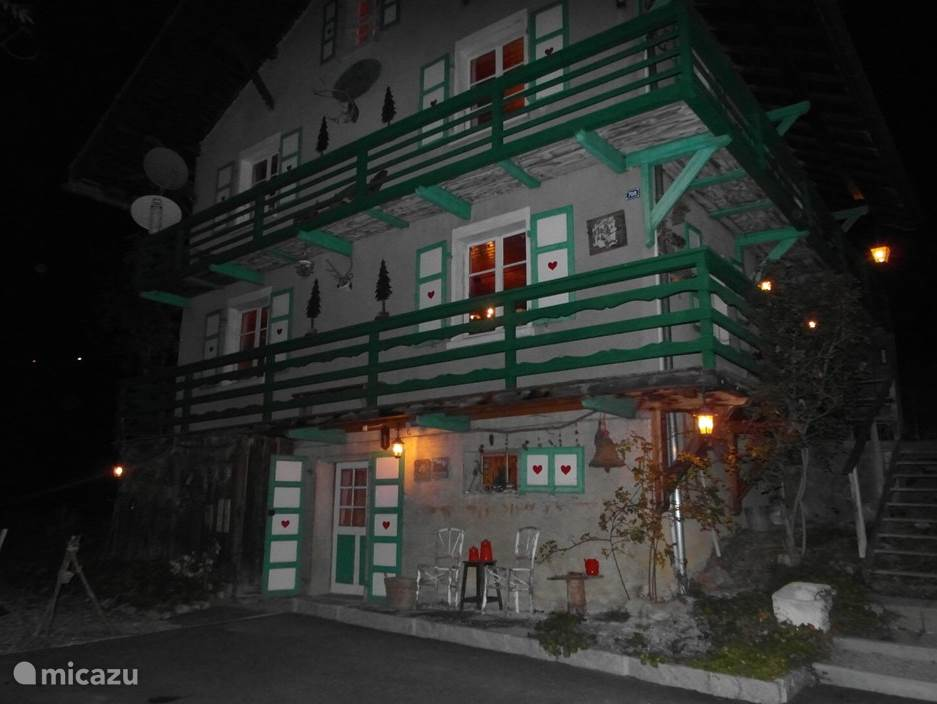 La maison in de avond uren