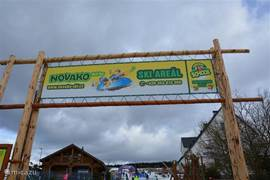 Skigebied Novako (Bozi Dar). Prima toeven voor de beginnende skieër. Met daarnaast nog eens veel kindervermaak, zoals snowtubing