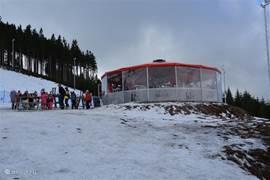 Aprés ski bar op Berg Plesivec