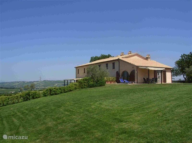 Vakantiehuis Italië, Marche, San Lorenzo In Campo vakantiehuis Casale Aristide