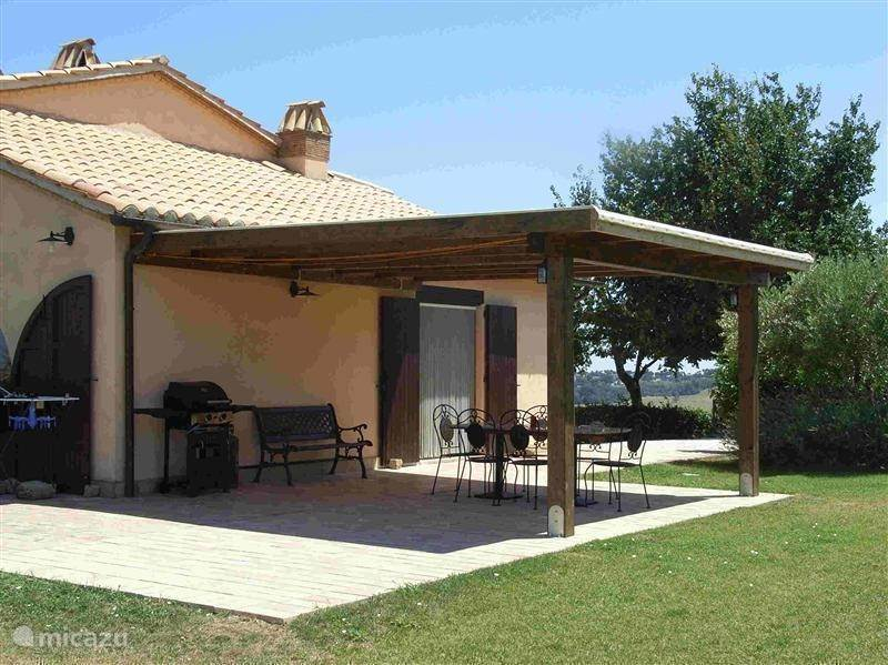 Vacation rental Italy, Marche, San Lorenzo in Campo Holiday house Casale Aristide