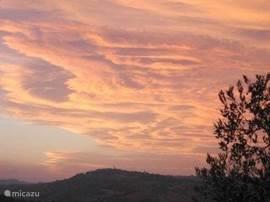 nog een zonsondergang vanaf ons terras