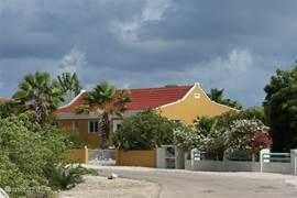 Sabal Palm is een mooie verzorgde villawijk. Naast een aantal vakantiehuizen staan er ook woonhuizen met permanente bewoners. De sfeer is gemoedelijk en er is goed contact tussen de bewoners, al vind iedereen privacy ook heel belangrijk.