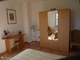 alle slaapkamers zijn voozien van een kledingkast en elke slaapkamer heeft een mooi uitzicht.