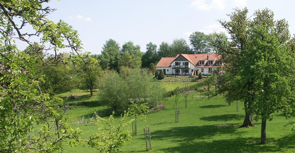 Kom heerlijk genieten te midden van de Zuid-Limburgse heuvels met prachtig panoramisch uitzicht. In mei/juni aanbieding op maat! Mail of bel ons ;-)
