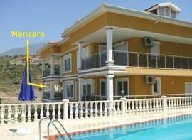 Appartement <b>Manzara</b> is onderdeel van een villa met 4 woningen