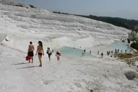 Een excursie naar Pamukkale is ook erg populair.