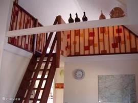 de bovenverdieping, met 2 slaapplaatsen