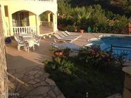 Huis met terras en zwembad