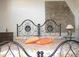 Slaapkamer in een twee persoons appartement