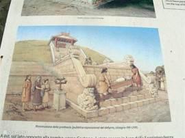 De rekonstruktie van een etruskisch graf genaamd Melone II. Dit graf ligt op de weg naar Cortona. Het laat zien, dat de Etrusken al in kontakt waren met het Egypte van de faraos.