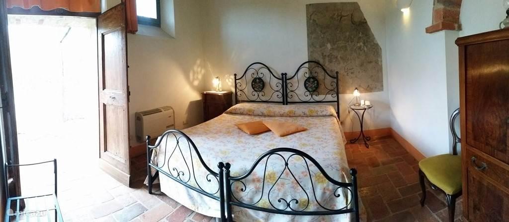 Het appartement Tinnaia heeft bij de slaapkamer, die op de begane grond ligt een ingang, die geschikt is voor rolstoelgebruikers.
