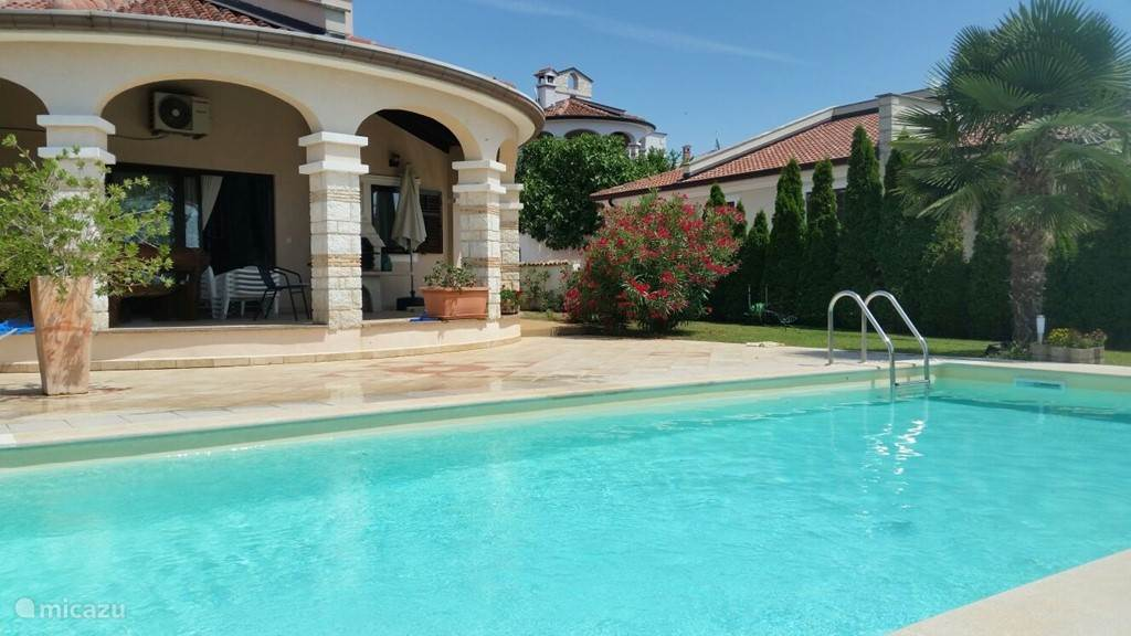 Vacation rental Croatia, Istria, Porec villa Villa Leonas with Pool and seaview