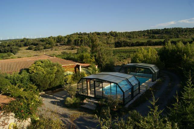 Petit Paradis ist Ruhe, Natur und schönes Hallenbad; Gewühl,Strand, Berge und Sehenswürdigkeiten sind in der Nähe. In Juni/July € 100,- pW Rabatt!