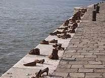 schoenen langs de Donau