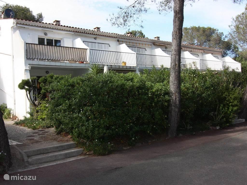 rent apartment le val des pins in rapha 235 l riviera micazu