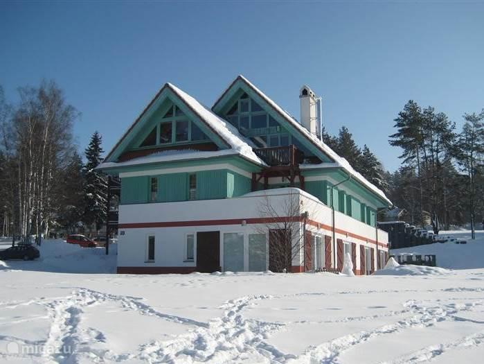Ons appartement in de winter. Wintersportplaats voor het hele gezin