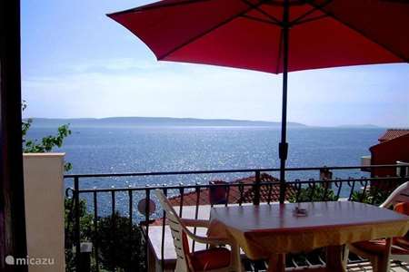 Vacation rental Croatia, Dalmatia, Okrug Gornji  apartment Komduur apartment A1 ***