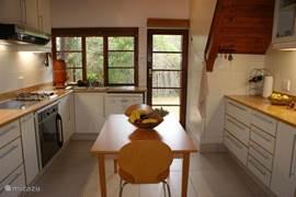 Nieuwe keuken met alles erop en eraan!