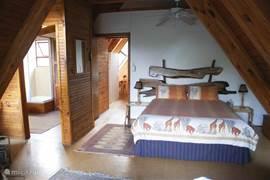 Master Bedroom met en-suite badkamer