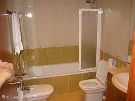1 van de 3 badkamers