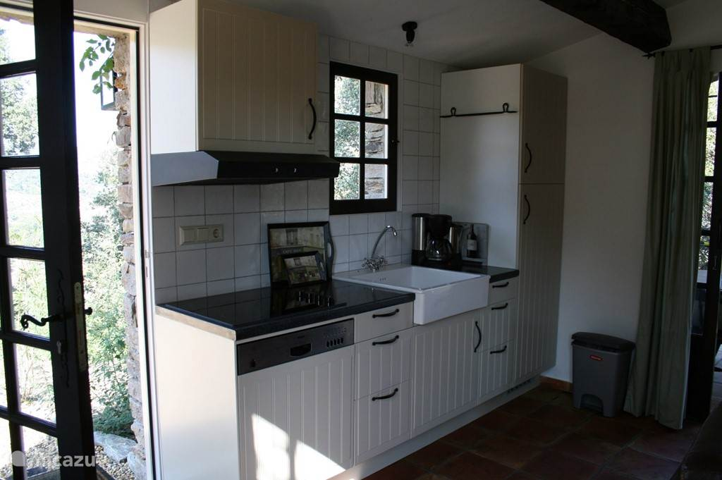 keuken 4 pers appartement met afwasmachine.